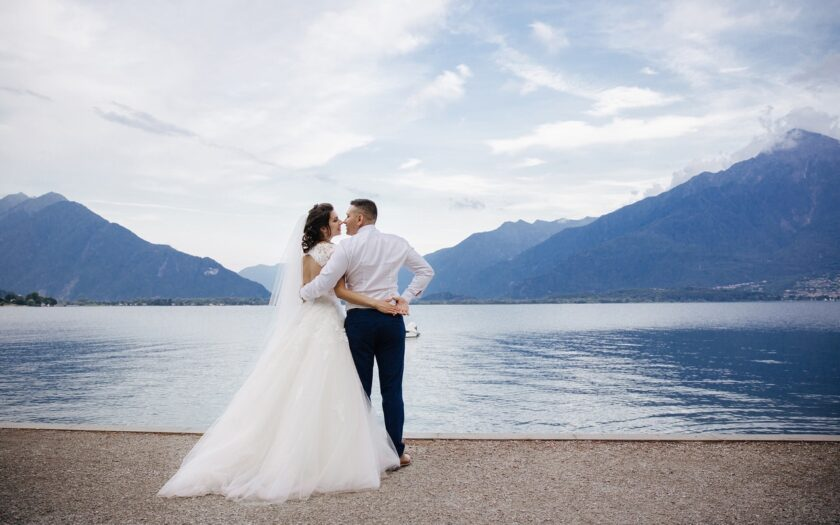 Brautpaar am Bergsee